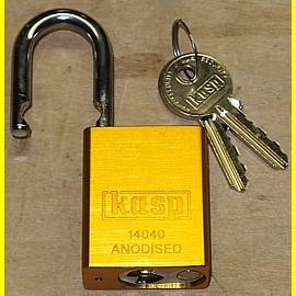 Aluminium - Vorhängeschloss gold eloxiert - Breite 38 mm - Bügel 6,3 mm