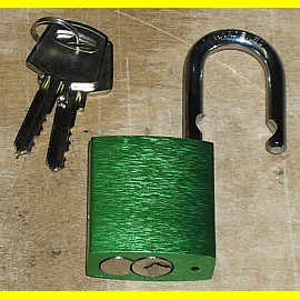 Aluminiumschloss 38 mm grün mit gehärtetem Stahlbügel ca. 6,3 mm